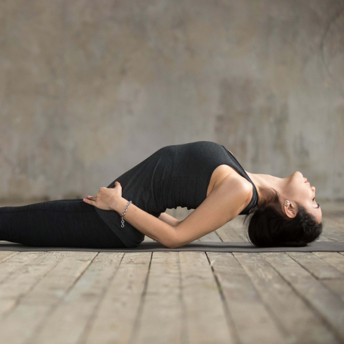 Pose de poisson de yoga